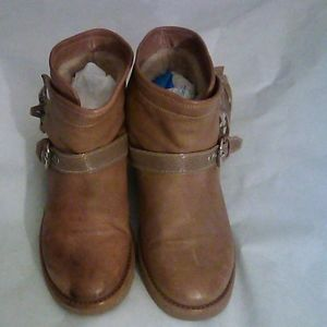 UGG Collection Italy tan Glitter  Leather Boots 7